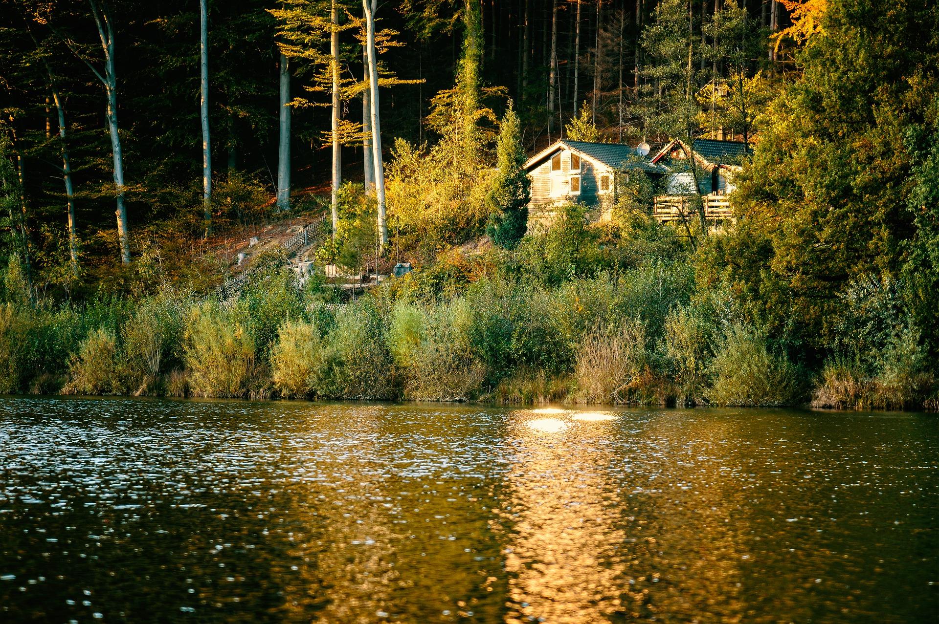 chata jezero dum chalupa